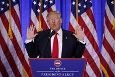 الرئيس الأمريكي المنتخب دونالد ترامب يعقد مؤتمرا صحفيا في برج ترامب بمدينة نيويورك يوم الأربعاء. تصوير. لوكاس جاكسون - رويترز