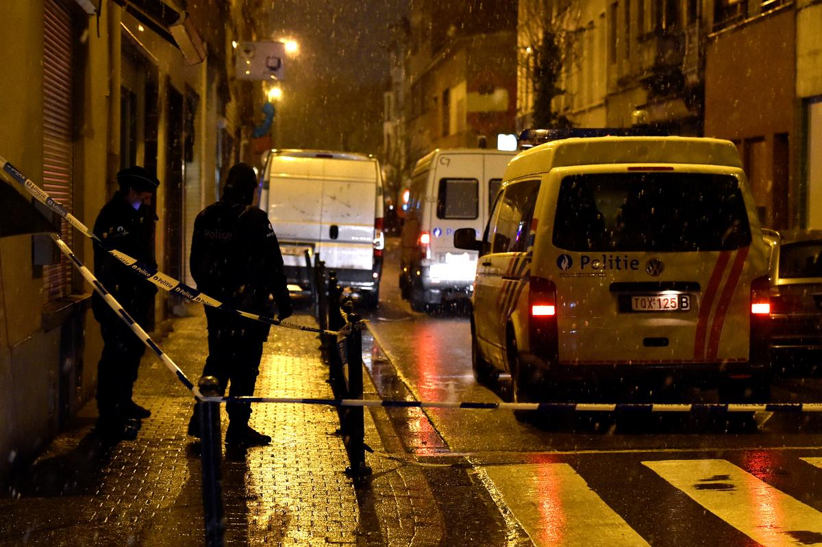 Three men taken for questioning after Brussels anti-terror raid released