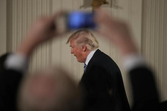U.S. President Donald Trump arrives for a swearing-in ceremony for senior staff at the White House in Washington, DC January 22, 2017. REUTERS/Carlos Barria
