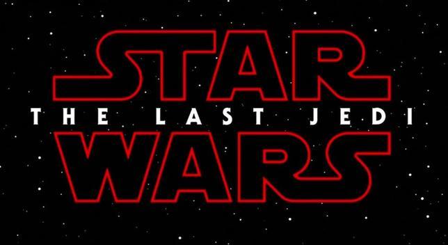 1月23日、米メディア・娯楽大手のウォルト・ディズニーは、人気SF映画「スター・ウォーズ」シリーズの最新作のタイトルが「Star Wars: The Last Jedi」だと声明で明らかにした。12月15日に公開される予定。写真はWALTDISNEY PICTURES/LUCASFILM提供のロイタービデオの映像から(2017年 ロイター)