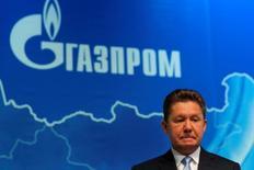 Глава Газпрома Алексей Миллер на собрании акционеров компании в Москве 30 июня 2016 года. Российский Газпром снизил поставки газа через трубопровод OPAL в Германии из-за решения Европейского суда по делу польской PGNiG. REUTERS/Maxim Shemetov/File Photo