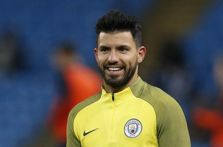 Britain Soccer Football - Manchester City v Tottenham Hotspur - Premier League - Etihad Stadium - 21/1/17 Manchester City's Sergio Aguero warms up before the match  Reuters / Andrew Yates Livepic