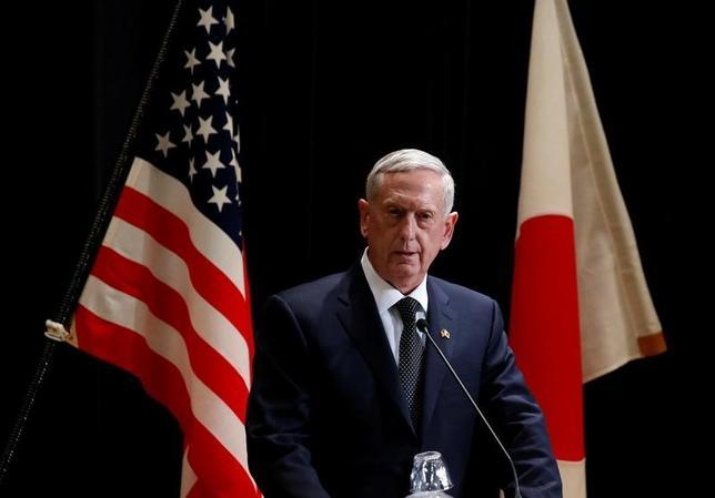 2月4日、訪日しているマティス米国防長官(写真)は中国の南シナ海での積極的な行動について「地域での各国の信頼を失っている」と厳しく批判したが、米軍の展開は必要ないとの見解を示した(2017年 ロイター/Toru Hanai)