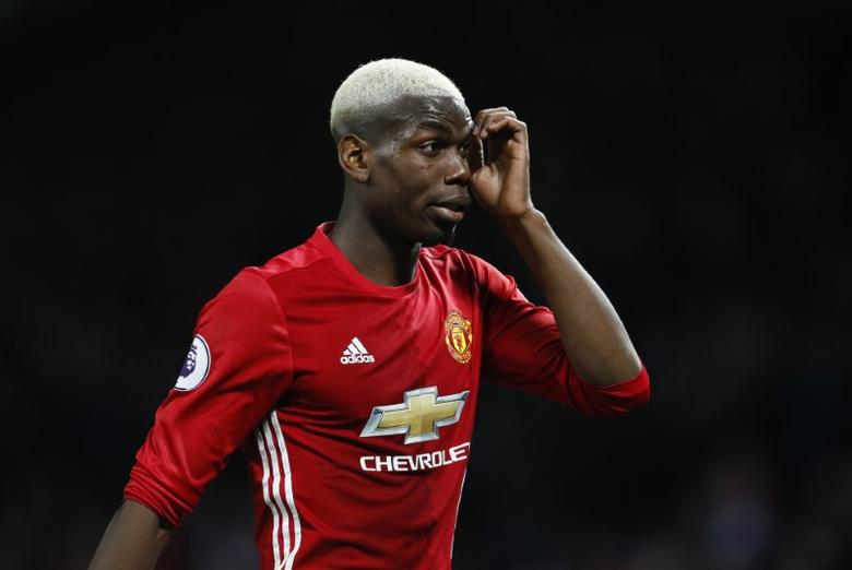 Britain Soccer Football - Manchester United v Hull City - Premier League - Old Trafford - 1/2/17 Manchester United's Paul Pogba looks dejected  Action Images via Reuters / Jason Cairnduff Livepic