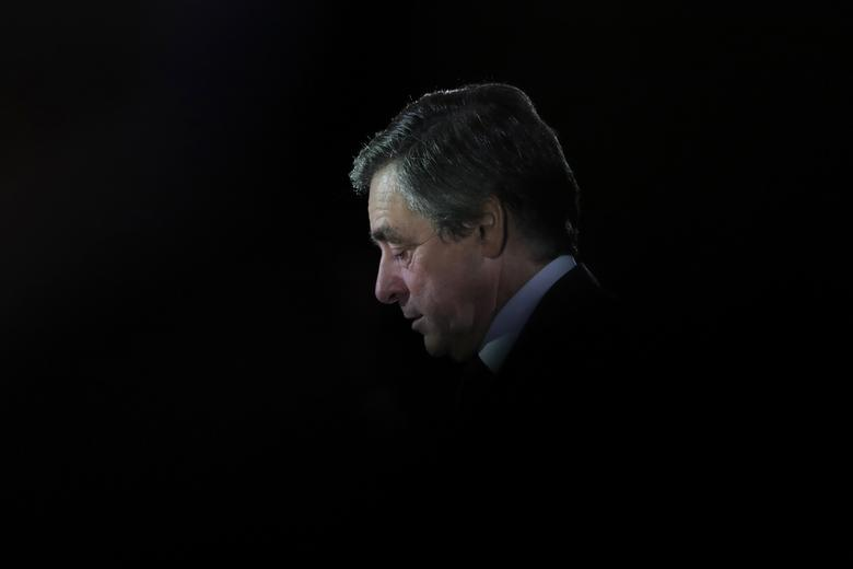 Francois Fillon, former French prime minister, member of The Republicans political party and 2017 presidential candidate of the French centre-right, attends a political rally in Charleville-Mezieres, France, February 2, 2017. REUTERS/Christian Hartmann
