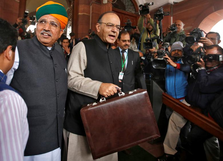 Finance Minister Arun Jaitley (C) arrives at the parliament where he is due to present the federal budget, in New Delhi, February 1, 2017. REUTERS/Adnan Abidi