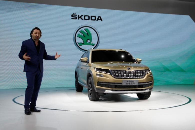 Jozef Kaban, Head of Skoda Design, introduces Skoda Kodiaq at a news conference in Guangzhou, China November 17, 2016.      REUTERS/Bobby Yip