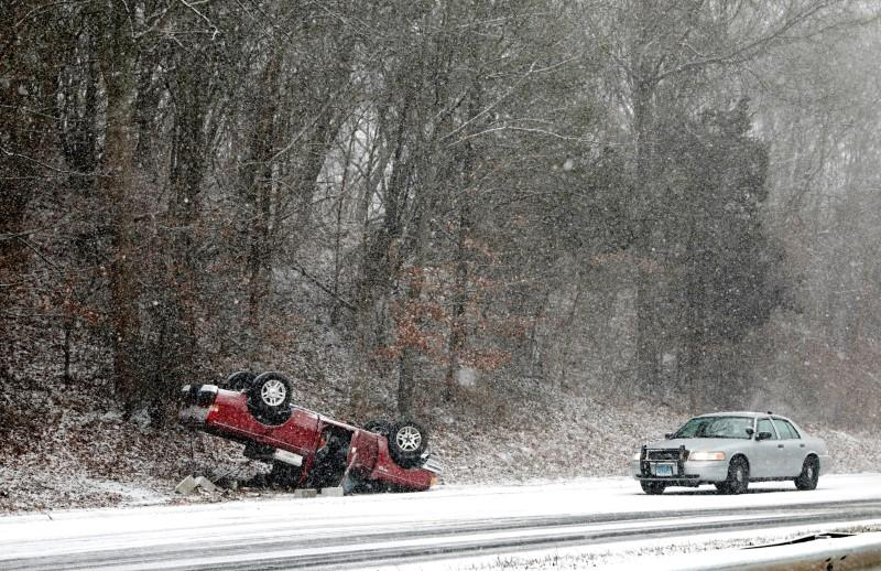 At least one dead in car crashes in icy New England - Reuters