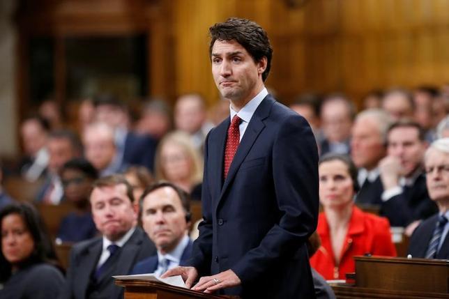 2月9日、カナダのトルドー首相は、13日にトランプ米大統領とホワイトハウスで初めて会談する。詳細な会談内容は公表されていないが、2人の関係者によれば、話し合いは広範囲にわたる見通し。写真はオタワ下院議会で、1月撮影(2017年 ロイター/Chris Wattie)