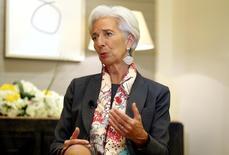 Le Fonds monétaire international s'efforce de parvenir à un accord sur le plan de sauvetage de la Grèce mais ne peut pas enfreindre ses règles et réserver un traitement de faveur au pays, a déclaré lundi la directrice générale du FMI, Christine Lagarde. /Photo prise le 13 février 2017/REUTERS/Ashraf Mohammad Mohammad Alam