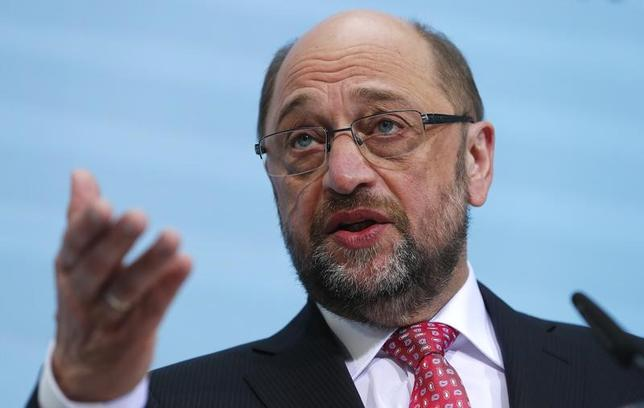 2月13日、メルケル独首相率いる与党・キリスト教民主同盟(CDU)のタウバー幹事長は13日、社会民主党(SPD)の首相候補であるシュルツ欧州議会前議長(写真)が「ユーロ共同債」の導入を支持していると批判した。写真はベルリンで1月撮影(2017年 ロイター/Fabrizio Bensch)