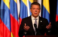 El presidente de Colombia, Juan Manuel Santos, da su discurso luego de la firma del nuevo acuerdo de paz con la guerrilla de las FARC, en Bogotá, Colombia, 24 de noviembre de 2016. REUTERS/Jaime Saldarriaga