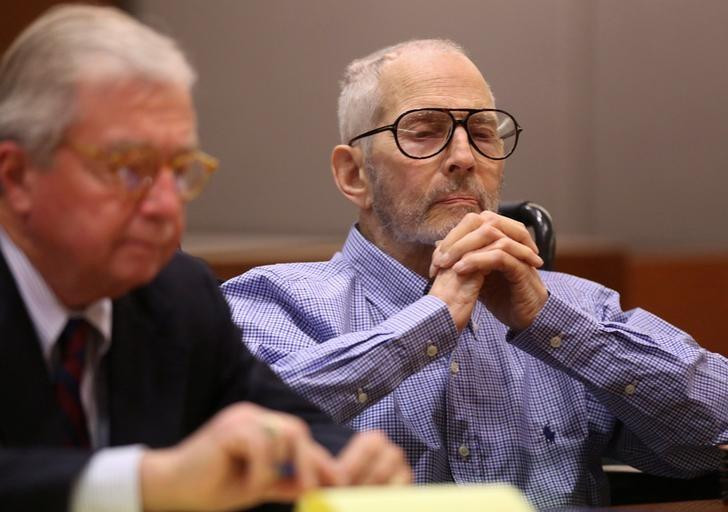 New York real estate scion Robert Durst appears in the Los Angeles Superior Court Airport Branch with his defense lawyer Dick DeGuerin for a pre-trial motions hearing in Los Angeles, California, January 6, 2017   REUTERS/Mark Boster /Los Angeles Times/Pool/Files