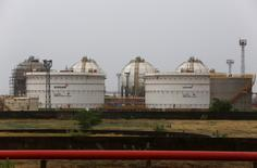 Storage tanks of an oil refinery of Essar Oil, which runs India's second biggest private sector refinery, are pictured in Vadinar in the western state of Gujarat, India, October 4, 2016. Picture taken October 4, 2016. REUTERS/Amit Dave