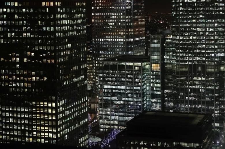 Offices in the financial district of Canary Wharf in London, Britain January 19, 2017. Picture taken January 19, 2017. REUTERS/Kevin Coombs