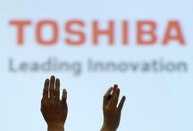 2月17日、東芝 はIHIから米原発子会社WH(ウエスチングハウス)株式3%を買い取ると発表した。買い取り金額は約189億円で、今年5月17に取得する。写真は都内で14日撮影(2017年 ロイター/Toru Hanai)
