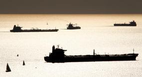 """L'Irak prévoit d'acquérir """"une grande quantité"""" de pétroliers pour acheminer son pétrole brut vers les marchés mondiaux, a déclaré son ministre du Pétrole, Djaber al Louaibi. /Photo d'archives/REUTERS/Jean-Paul Pelissier"""
