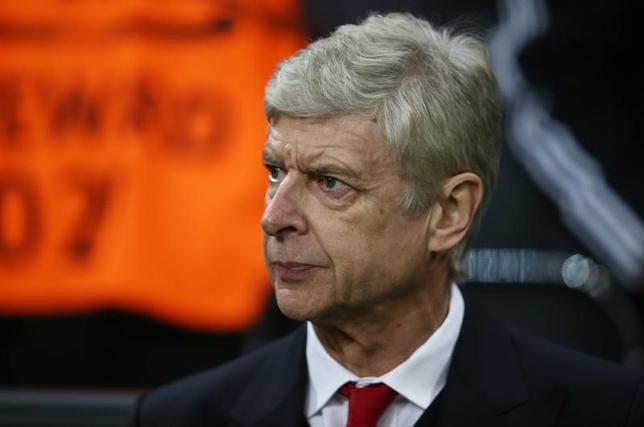 2月17日、サッカーのイングランド・プレミアリーグ、アーセナルのアーセン・ベンゲル監督は、来季もどこかで指揮を執ると述べた。ミュンヘンで15日撮影(2017年 ロイター)