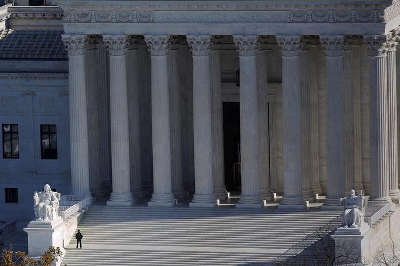 A general view of the U.S. Supreme Court building in Washington, U.S., November 15, 2016. REUTERS/Carlos Barria/File Photo -