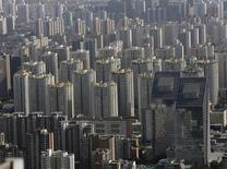 À Pékin. La croissance des prix immobiliers en Chine a ralenti pour le quatrième mois de suite en raison d'une poursuite du tassement de la demande dans les grandes villes. /Photo d'archives/REUTERS/Kim Kyung Hoon