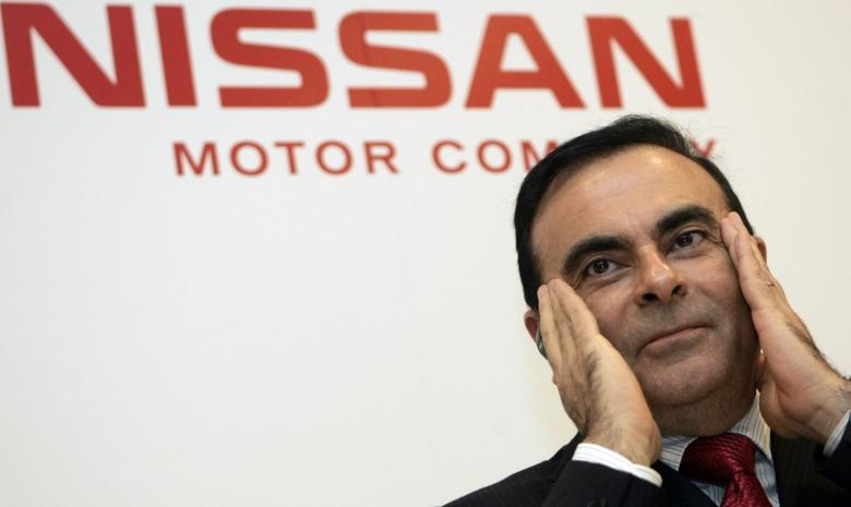 Nissan Motor's Carlos Ghosn attends a news conference after the company's annual shareholders' general meeting in Yokohama, south of Tokyo June 20, 2007. REUTERS/Toru Hanai