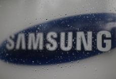 Samsung Electronics renforce le contrôle de son conseil d'administration sur les donations alors que deux responsables du géant sud-coréen ont présenté leur démission. /Photo d'archives/REUTERS/Kim Hong-Ji