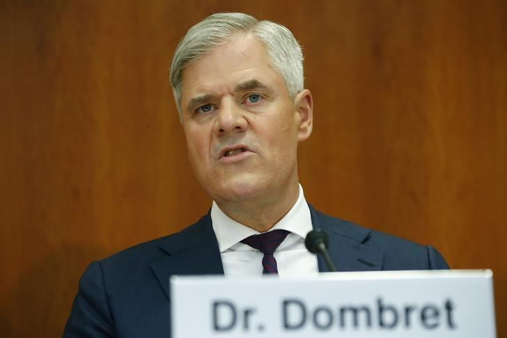 Andreas Dombret, member of the board of the Deutsche Bundesbank speaks during a news conference at the Deutsche Bundesbank's Regional Office in Hesse in Frankfurt October 26, 2014. REUTERS/Ralph Orlowski
