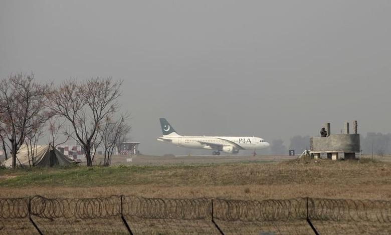 A Pakistan International Airlines (PIA) passenger plane prepares to take off from the Benazir International airport in Islamabad, Pakistan, February 9, 2016. REUTERS/Faisal Mahmood
