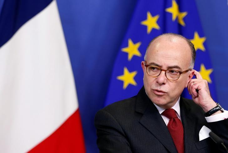French Prime Minister Bernard Cazeneuve attends a news conference after meeting European Commission President Jean-Claude Juncker (unseen) at the EU Commission headquarters in Brussels, Belgium February 6, 2017. REUTERS/Francois Lenoir