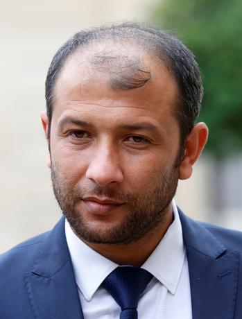 FILE PHOTO: Raed Saleh, President of the Syrian White Helmets, leaves the Elysee Palace after a meeting with French President Francois Hollande in Paris, France, October 19, 2016. REUTERS/Jacky Naegelen/File Photo