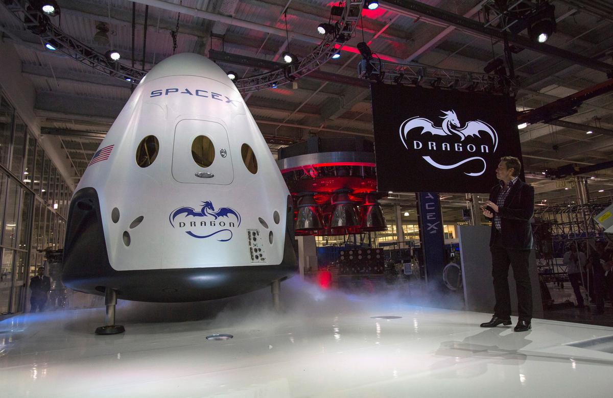 spacex moon tourism - photo #4