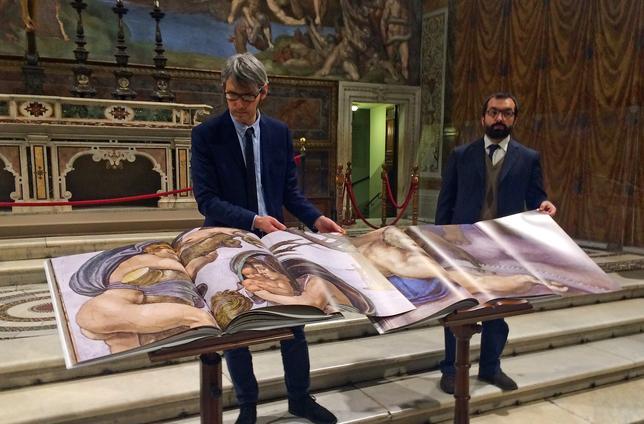 2月27日、ローマ法王庁(バチカン)のシスティーナ礼拝堂の画像を残して後世の修復に役立てるため5年にわたり行われていたデジタル写真撮影の作業が終了し、27万点の画像が完成した。写真は24日撮影(2017年 ロイター/Philip Pullella)