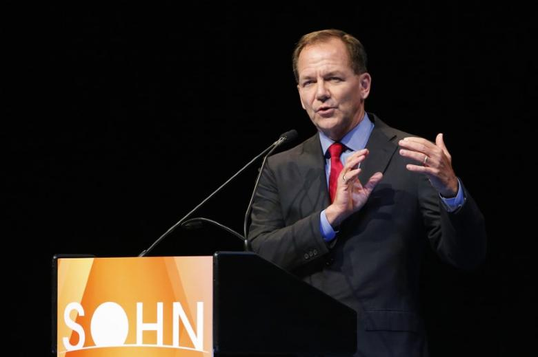 Paul Tudor Jones, founder and chief investment officer of Tudor Investment Corporation, speaks at the Sohn Investment Conference in New York, May 5, 2014. REUTERS/Eduardo Munoz