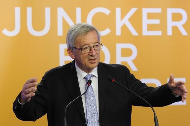 2月28日、欧州委員会のユンケル委員長(写真)が、英国離脱後の欧州連合(EU)の統合深化に向けた道筋について複数の選択肢を記した白書を1日に欧州議会に提出することが明らかになった。2014年5月撮影(2017年 ロイター/Eric Vidal)