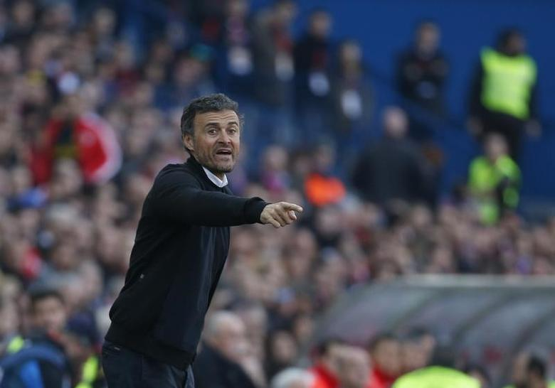 Football Soccer - Atletico Madrid v Barcelona - Spanish La Liga Santander - Vicente Calderon Stadium, Madrid, Spain,  26/02/17   Barcelona's coach Luis Enrique Martinez.  REUTERS/Juan Medina