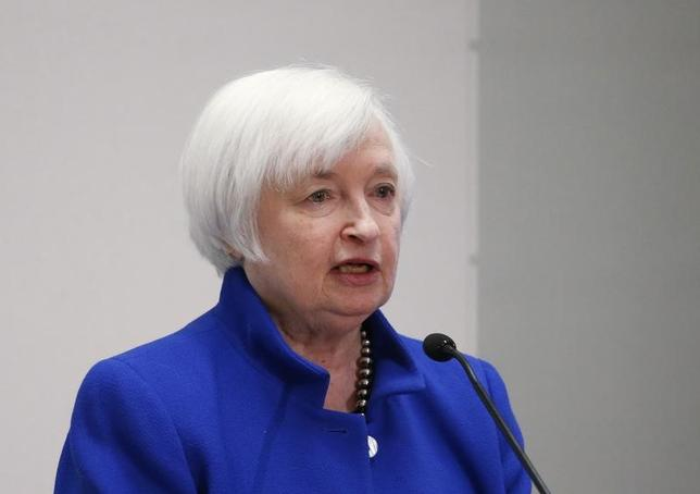 3月1日、米FRBは地区連銀経済報告を公表した。写真はイエレン議長。ボストンで昨年10月撮影(2017年 ロイター/Mary Schwalm)