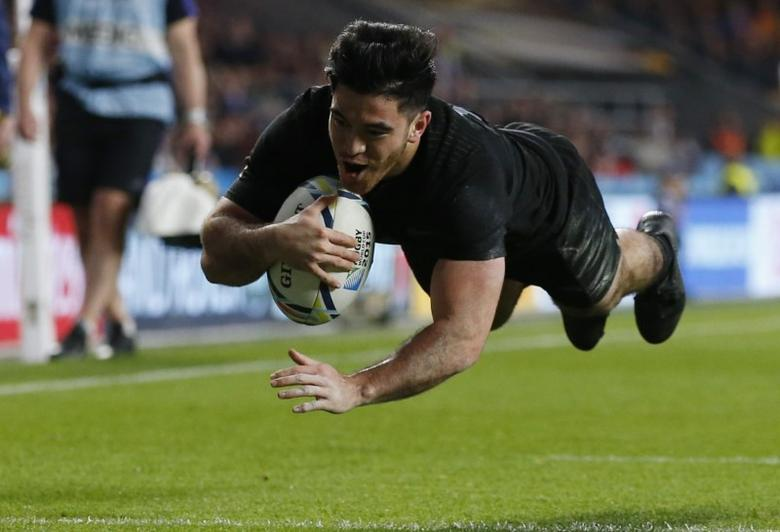 Nehe Milner-Skudder of New Zealand scores try during their Rugby World Cup final match against Australia at Twickenham in London, Britain, October 31, 2015.       REUTERS/Paul Childs