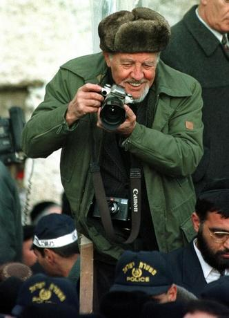 File photo from February 6, 1997 of Israeli photojournalist David Rubinger, 72, who it was announced March 25 is one of the winners of the prestigious Israel Prize. Reuters/Files