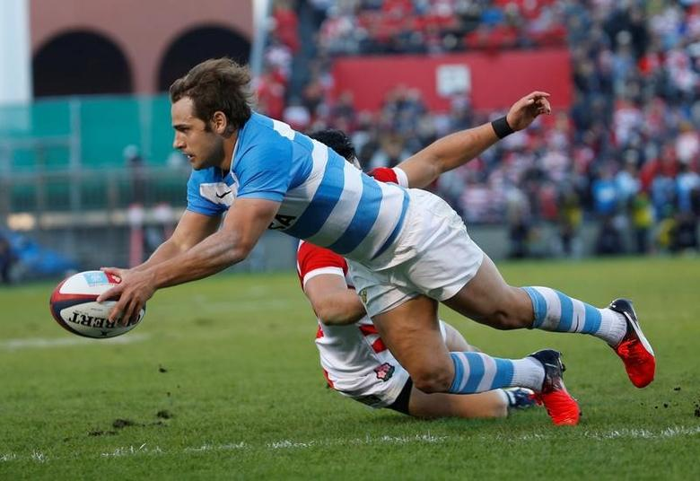 Rugby Union - Rugby Test -Japan v Argentina - Prince Chichibu Memorial Stadium, Tokyo, Japan - 05/11/16   Argentina's Nicolas Sanchez scores a try.   REUTERS/Kim Kyung-Hoon