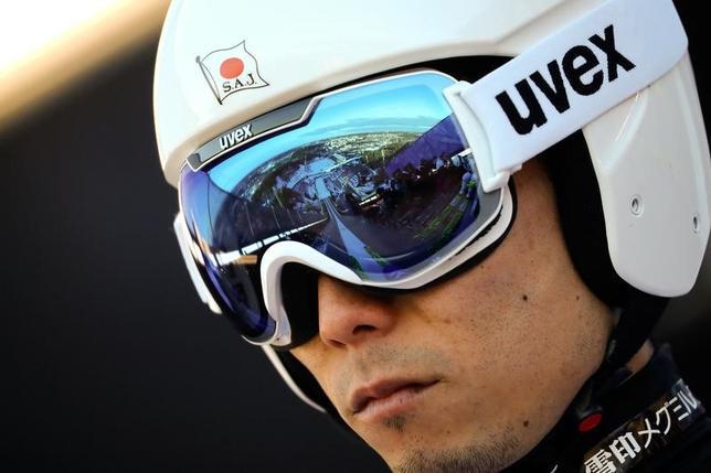 3月4日、ノルディックスキーの世界選手権ジャンプ男子団体、竹内択、小林陵侑、葛西紀明、伊東大貴(写真)で臨んだ日本は合計922.7点で7位に終わった(2017年 ロイター/Kai Pfaffenbach)