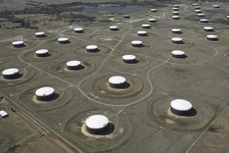 Crude oil storage tanks are seen from above at the Cushing oil hub, in Cushing, Oklahoma, March 24, 2016.   REUTERS/Nick Oxford/File Photo