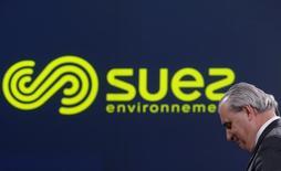 Le Directeur Général de Suez Environnement Jean-Louis Chaussade. La société a annoncé mercredi le rachat, avec la Caisse de dépôt et placement du Québec, de GE Water, la filiale de l'américain GE spécialisée dans le traitement de l'eau industriel, pour 3,2 milliards d'euros. /Photo d'archives/REUTERS/Christian Hartmann