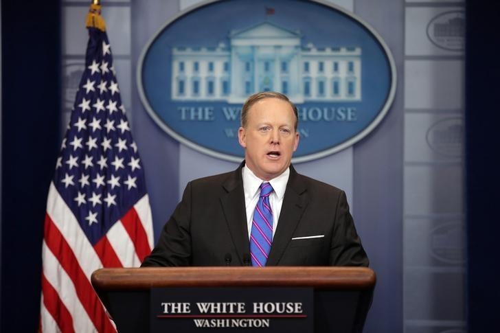 White House Press Secretary Sean Spicer holds the daily press briefing at the White House in Washington, U.S. March 8, 2017.  REUTERS/Carlos Barria