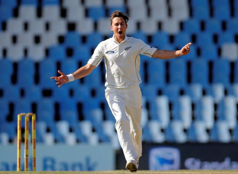 Cricket - New Zealand v South Africa - second cricket test match - Centurion Park, Centurion, South Africa - 29/8/2016. New Zealand's Trent Boult celebrates bowling out South Africa's Faf du Plessis. REUTERS/Siphiwe Sibeko  Picture Supplied by Action Images