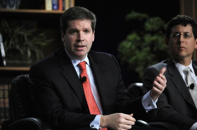 3月8日、米ゼネラル・エレクトリック(GE)(写真左)によると、同社幹部で元財務省高官のデービッド・ネイソン氏は、有力視されていた連邦準備理事会(FRB)副議長(銀行監督担当)のポストに関心がないことをホワイトハウスに伝えた。写真は2009年4月カリフォルニア州ビバリーヒルズで撮影(2017年 ロイター/Phil McCarten)