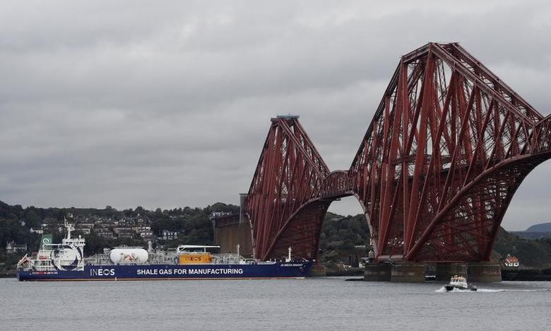The tanker carrying the first shipment of U.S. shale gas reverses under the Forth Bridge as it travels to dock at Grangemouth in Scotland, Britain September 27, 2016. REUTERS/Russell Cheyne