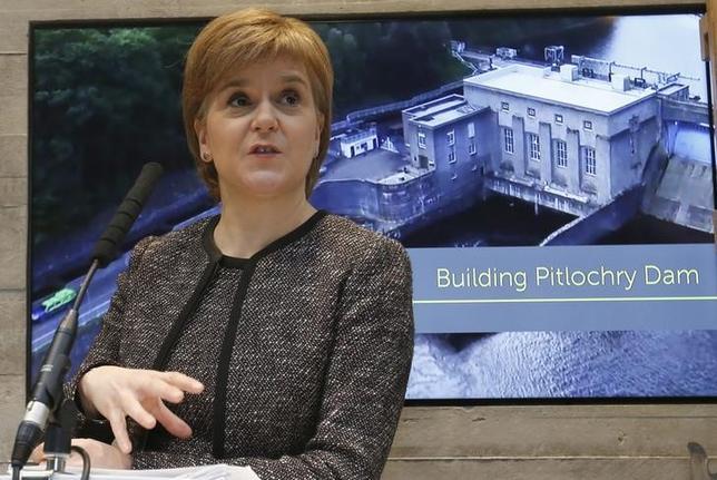 3月10日付の英フィナンシャル・タイムズ紙は、スコットランド独立の是非を問う2度目の住民投票は今や避けられない情勢となっており、英政府の閣僚らはもはや時期の問題だと認識している、と伝えた。写真はスコットランド自治政府のスタージョン首相、2月撮影(2017年 ロイター/Russell Cheyne)