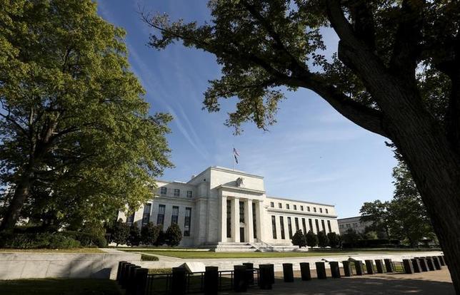 3月13日、今週の外為市場でドル/円は、FOMCや米予算教書といった重要イベントを控えて、波乱含みの展開が予想される。FRB本部、2015年撮影(2017年 ロイター/Kevin Lamarque)