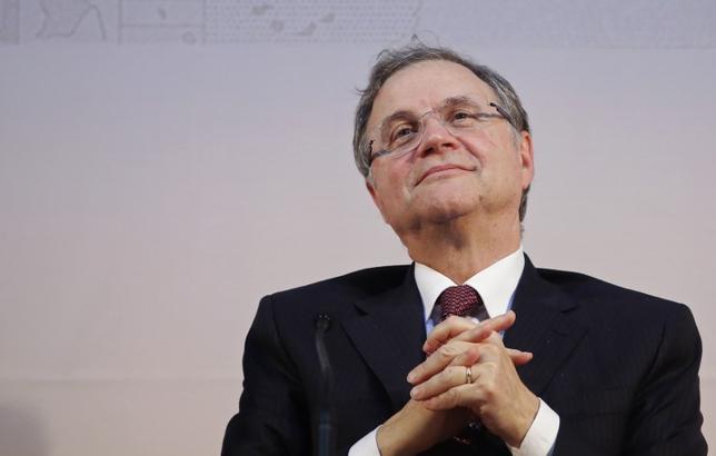 3月13日、欧州中央銀行(ECB)理事会メンバーのビスコ・イタリア中銀総裁(写真)は、トランプ米大統領の経済政策により、世界の貿易が打撃を受け、米連邦準備理事会(FRB)の利上げペースが速まる可能性があるとの見解を明らかにした。2014年10月撮影(2017年 ロイター/Remo Casilli)