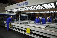 L'équipementier automobile espagnol Gestamp prépare une introduction en Bourse sur la base d'une valorisation d'environ 3,7 milliards d'euros, ce qui en fera une des plus grosses IPO européennes à ce stade de l'année. /Photo d'archives/REUTERS/Wolfgang Rattay